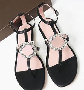 2019 Mode-Design Frauen Schuhe Sommer Metallkette Details Handgefertigte Sandalen Hardware-Kette Goldschnalle Mode Ledersandalen