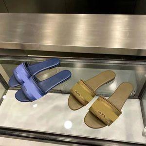 Designer Women Designer Sandals Classic Style Casual Flip Flops Multi Color Size 35-41 Luxury Girl Slides Brand Women Sandals #D 4235we