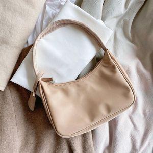 Womens Bolsas Shoulder Bag Baguette Nylon Ladys bolsa de várias cores de alta qualidade sacos