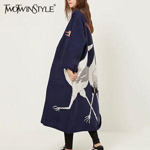 TWOTWINSTYLE cigüeña Mujer chaqueta de punto de la capa del invierno del puente de las mujeres femeninas del kimono de punto de la vendimia zanja larga cazadora SH190930