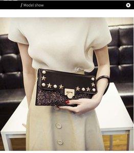 Kişilik Moda Kadınlar Omuz Çantası Vahşi Mizaç Bayanlar Debriyaj Bag Of Designer- Perçin Zincir Çanta Kore Sürüm