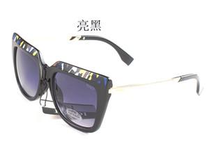 Nuovo marchio di moda di lusso 0087 Occhiali da sole per donna Uomo Designer Brand Mens Womens Occhiali da sole Eyewear Spedizione gratuita