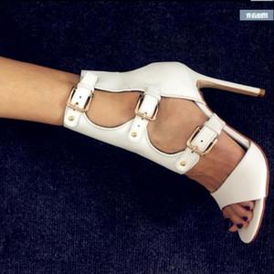Leder Coole Stiefel Schuhe Super High Heels Heels Laufsteg Bühne Nachtclub Schuhe Weiß Buckle Solid Color Stiletto Peep-Toe Sandalen