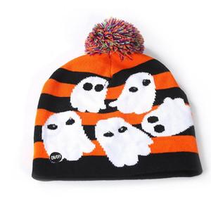 الدافئة LED عيد الميلاد محبوك قبعة صغيرة قبعة هالوين LED ضوء الكروشيه قبعة في الهواء الطلق في فصل الشتاء بوم بوم الكرة تزلج كاب TTA1849
