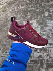 Hombres y mujeres Casual Run Away Shoes Moda Low Cut con cordones Diseñador Snekaers Hombre Mujer Zapatillas Zapatos deportivos 36-45