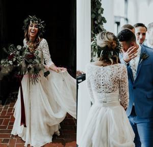 2020 Bohemian Два кусочка Свадебные платья с длинным рукавом 3/4 V шеи Поезд стреловидности Lace Top шифоновое Beach Garden Country Boho Свадебные платья