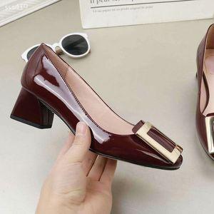 Sığ Ağız Deri Kadın ayakkabı Kalın Topuk Tek Orta Topuk Küçük Deri Ayakkabı Bayan Blok topuk ayakkabı Çalışma Lüks Klasik Vintage