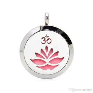 Hand Stamped OM Yoga Lotus 316L Stainless Steel 25 30mm Essential Oil Perfume Diffuser Necklace Locket Pendant With Free 10 Pads