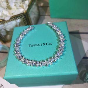 Calidad de lujo S925 pulsera de encanto de las mujeres para las mujeres Pendiente colgante joyería de regalo de boda anillo de envío PS5252