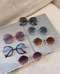 Fashon Girls Boys Boys Солнцезащитные очки Дети Круглые металлические Framsunglasses Дети Солнцезащитные Очки Детские Винтажные Очки Детский Пляж Sunblock A2533