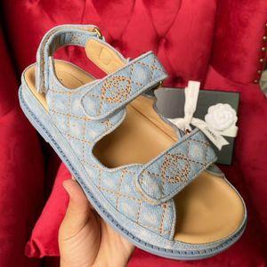 Chanel 2020 sandales super chaudes nouvelles, sandales hommes de luxe et des femmes, sandales hommes de concepteur, sandale des femmes designer, Sandales plates Velcro