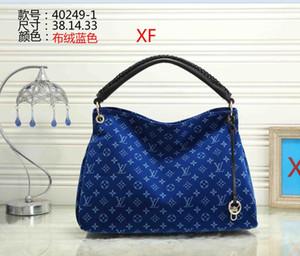 2020 En popüler Kadın Tasarımcı çanta Cüzdanlar Moda Kadın Tasarımcısı Omuz Çantaları Yüksek Kalite Marka Tasarımcı Crossbody Çanta etiketi 43
