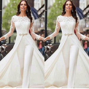 2020 Sexy Langarm Weiß Jumpsuits Abendkleider Spitze und Satin mit overskirts Perlen Kristalle Plus Size Brautabendkleider Hosen Kleid