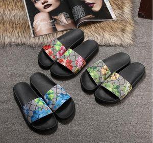 Designer Shoes Diapositives Summer Beach Indoor Flat G Sandales Chaussons Maison tongs avec sandale Spike Box 35-45