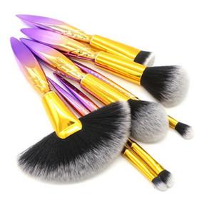 Spazzole per trucco irregolare Set Powder Foundation Blush Blending Ombretto Lip Cosmetico Brush Kit Tools 7pcs / set RRA1421