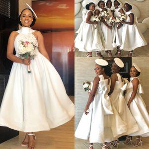 African Halter Satin A-Linie Short Brautjungfernkleider 2020 SpitzeApplique Bogen-Schärpe-Mädchen der Ehre Kleid Hochzeitsgast Plus Size Kleider BM1901