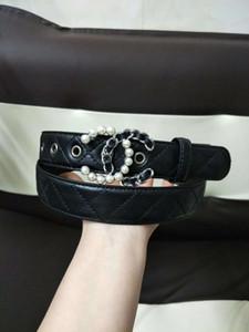 Prix bas d'usine pour vendre une variété de styles de ceintures de la nouvelle marque jeans et ceintures pour hommes à la mode