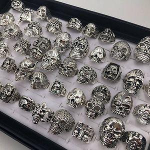 Gothic Punk Мужчины Металлическое кольцо Vintage Hip Hop Череп Скелет ювелирные изделия кольца типа смешивания Размер 17мм до 21 мм