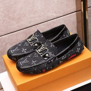 Top quality Mens leather casual Peas shoes ,Embroidery pattern Mens single shoes fashion personality wild Casual Peas shoes Size: 38-45 0018