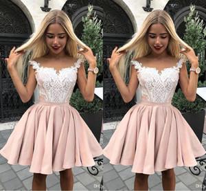 라이트 핑크 짧은 칵테일 드레스 2019 모자를 쓰신 슬리브 얇은 목 무릎 길이 짧은 댄스 파티 드레스와 화이트 레이스 Appliques 저렴한 파티 가운