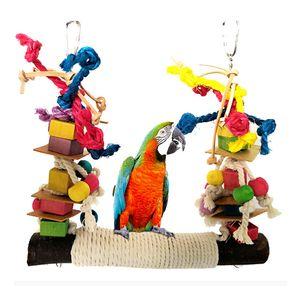 Fontes Toy Parrot mastigação mordida gaiola de suspensão Pet pássaro do papagaio Chew Toy Pássaro Perch couro colorido de madeira Building Block algodão