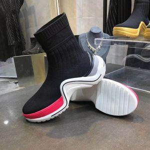 أحذية جلدية عالية 2019 امرأة جودة الدانتيل يصل الشريط مشبك معدني لحزام الأحذية في الكاحل المصنع مباشرة الإناث الخام كعب جولة رئيس خريف شتاء مارس