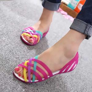 Frauen Gelee-Schuhe Regenbogen-Sommer-Sandelholz Weibliche flache Schuhe Damen-Beleg auf Frauen-Süßigkeit-Farben-Blick-Zehe-Frauen-Strand ZeeWes