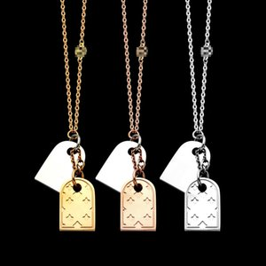 316L acero de titanio joyas collares al por mayor V doble colgante doble de la tarjeta de cuatro hojas flor de color dos damas collar colgante