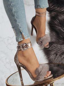 Mini 2019 Lapin cheveux d'été Un mot Apportez haute avec des sandales évider Sexy Chaussures Femme 35-40