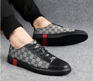 2019 neue Herrenmode Freizeitschuhe gold Glitter Freizeit Slip on Rivets Loafers Schuhe Mann Party Jäten Kleid Schuhe Size38-46