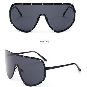 Fashion- Oversized Men Polarized Face Sunglasses Women Sun Shades Big Black Glasses Statement Eyeglasses Siamese-style Sunglasses