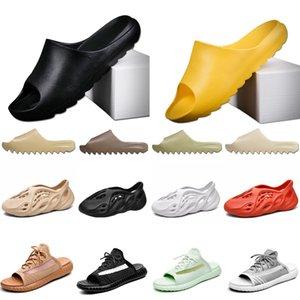 2020 Newyezzyyezzysyezzy foam runner earth brown bone resln resin Sandals Kanye West men women slide slides Sneakers