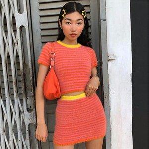 Womens Furry righe Suits Stampa Estate Designer Vintage colore di contrasto del maglione Gonna Imposta Imposta femmine Dolce Stile abbigliamento