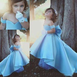 2020 Light Blue Off плеча девушки Pageant платья Дети Большой лук сатин Высокий Низкий Цветочница платье Дети Birthday Party Wear