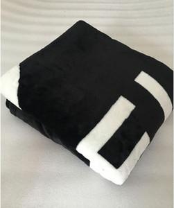 HOT Marca lance preto flanela cobertor de lã 2size- 130x150cm, 150x200cm, com logotipo saco de pó estilo C para viagens, casa, cobertor escritório cochilo