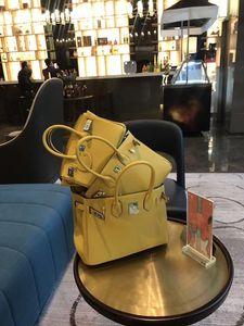 Camada Luxurious2019 Chefe Ano Yellow Shoulder Litchi Grain couro Único Mensageiro Fundo Package Tendência Mulher Handbag