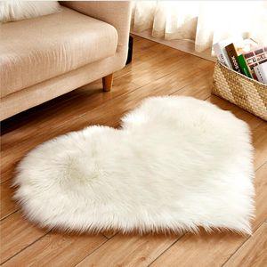 Herzform künstliche Wolle Teppich Bettseiten Boden Sofa Seiten Teppich Mat Erkerfenster Kissen Kaffeetisch-Fuss-Auflage Treppen Prinzessin Raumdekoration