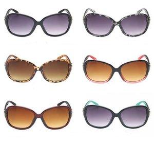 10pcs 여름 여성 야외 패션 UV 바람 선글라스 남자 구멍 선글라스, 눈 태양 안경 해변 패션 안경 6colors