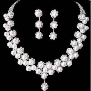 Joyería 2020 perlas elegantes de dos piezas de novia pendiente del collar de la novia Set 1 Con bling del partido de los accesorios de la boda cristalina de la astilla de envío