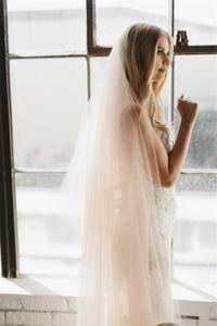 Gota Veil Champagne Tulle Beleza macia Tulle Tecido Capela Comprimento Boho casamento simples véu com pente