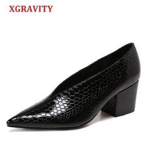 XGRAVITY Крокодил узор дизайнер Винтаж вечерние туфли женская мода острым носом V Cut Женская обувь на высоком каблуке насосы Sexy