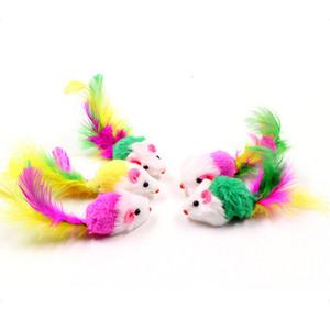 10pcs / lot colorido de felpa suave falsos ratón juguetes para gato pluma divertido que juega el perro Gato Pequeños Animales pluma Juguetes gatito