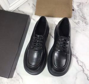 2020 Frauen des Entwerfers shose Leder Plattform beiläufige Schuhe hochwertige Futter Schaffellschuhe Plattform Muffin Keile