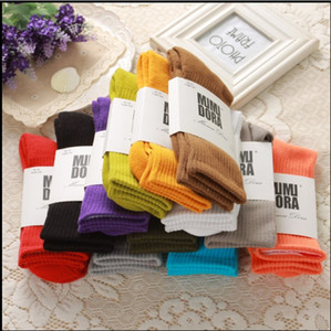 Homens Mulheres da cor dos doces elásticos curtos com nervuras meias quentes Saúde Cotton Knitting Sólidos Sell Sock Hot