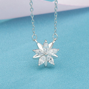 Heezen Beautiful Flower Pendants & Necklaces Cubic Zircon Female Jewelry White Pink 2 Color Custom Necklace Chic Necklace Gifts