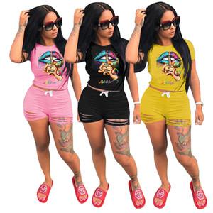Женщины Дизайнерские костюмы Письма Губы Pattern футболку Top и рюшами Hole Шорты Комплекты Summer Эпикировка Двухкусочный Одежда Streewear D62908