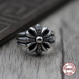 Индивидуальное мужское кольцо из чистого серебра S925. Восстанавливая старинные формы в стиле панк, крестовые походы инкрустированы классическим цирконовым кольцом.