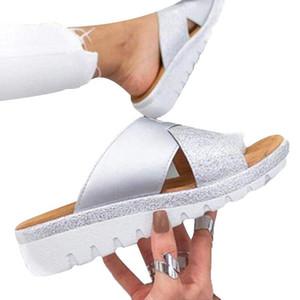 Avrupa Ve Amerika Sandalet Kadın 2020 Yeni Stil Büyük Beden Düz Burun Örtü Terlik KADIN Beach Ayakkabı