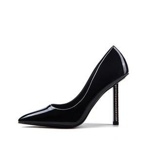 Sapatos de casamento nupcial Calçados Mulheres Designer Sandals Mulheres Bombas novo partido preto Burgundy Ladies Shoes