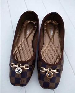 Mode féminine Sandsals 2019 Taille d'été 35-42 flip-flops Brand New femmes Chaussures Slides talon plat femme Floral plage Chaussons